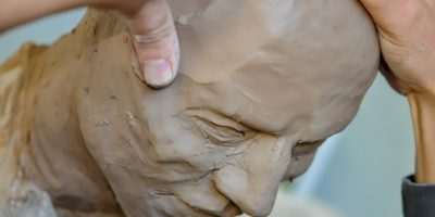 Moulding a clay head